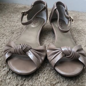 Me Too sandals shiny tan with ankle strap